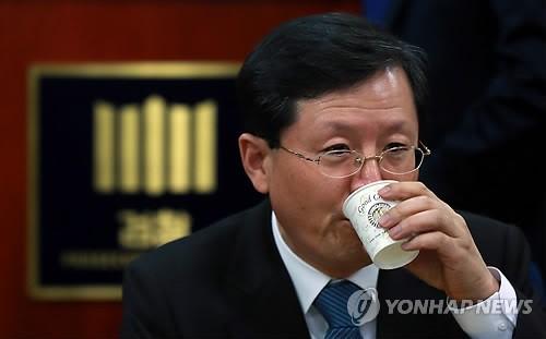 '간첩사건' 진상조사팀 지휘에 윤갑근 강력부장
