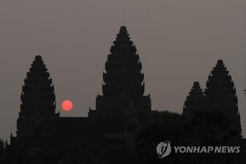 【柬埔寨】「カンボジアで少女らに性的暴行」〜60代の韓国人牧師を逮捕[10/21] [無断転載禁止]©2ch.netYouTube動画>1本 ->画像>2枚