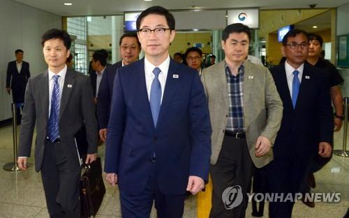 남북연락사무소 추진단 방북…통일차관