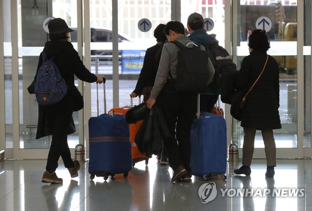 이스라엘, 항공기 가는 중인데 입국금지.. 되돌아온 여행객들