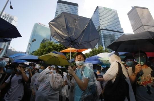 홍콩 최대 민주화 시위 격화, 이유는?