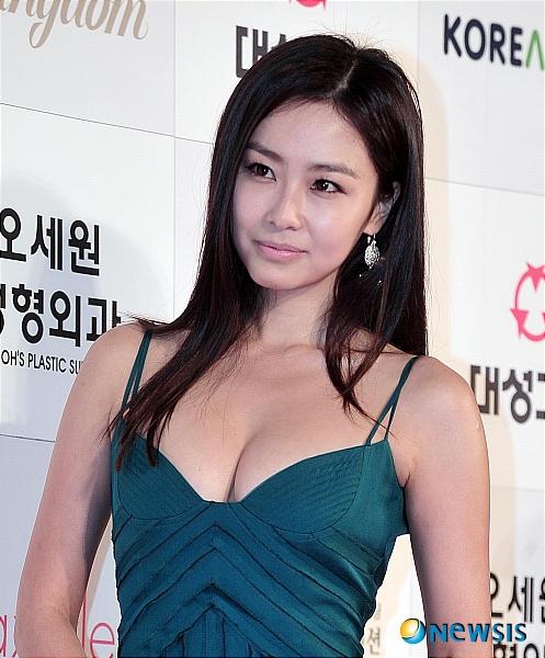 홍수현, '글래머 몸매'