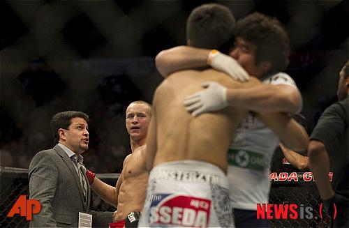 [UFC]'코리안 좀비' 정찬성, 7초 만에 TKO승