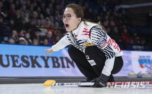 여자컬링, 13팀 가운데 3위 질주 중···스웨덴·캐나다 다음