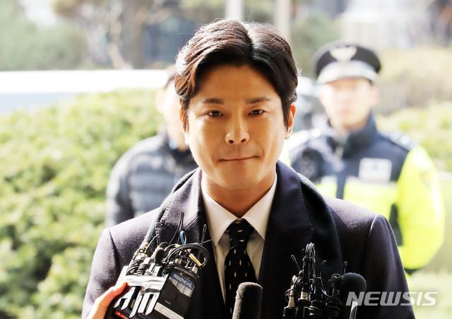 '버닝썬 사태' 김상교, 피고소인 신분 경찰 출석