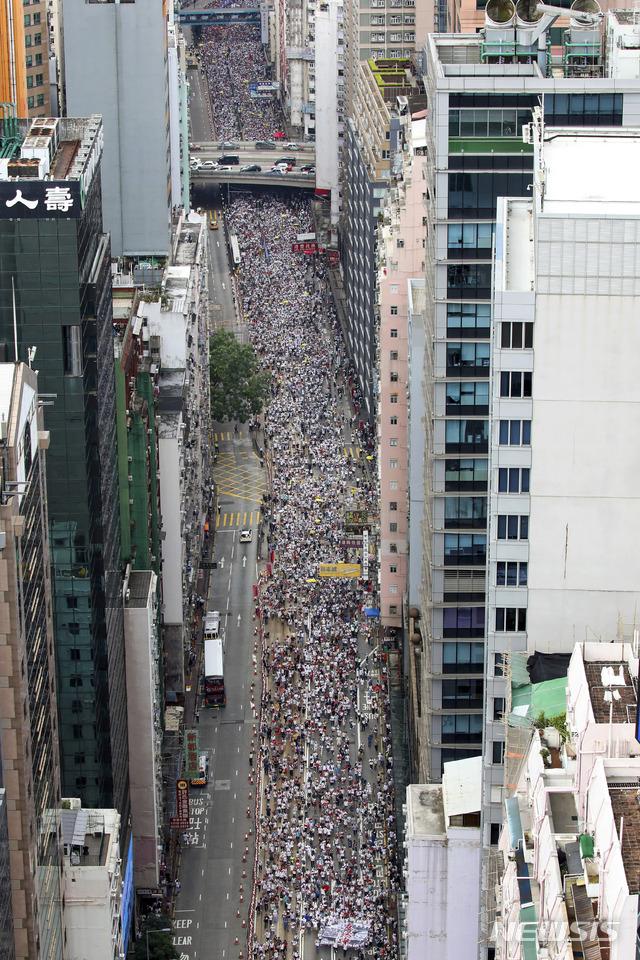 홍콩서 '범죄인 인도법 반대' 사상최대 시위…최대 50만명 전망