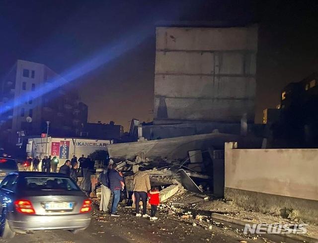 알바니아, 규모 6.4 지진으로 최소 4명 사망·150명 부상