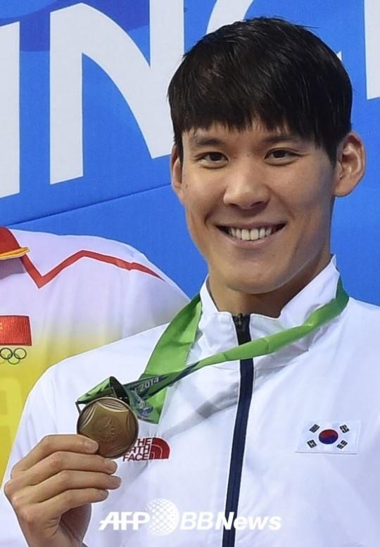 박태환, 계영 400m서 한국신기록으로 네번째 동메달