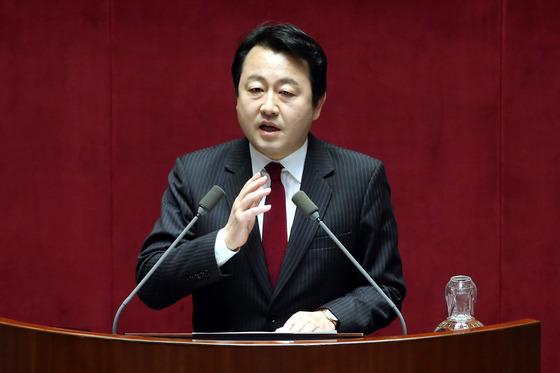 """김용남 """"임금피크제, 근로자에 일방적으로 불리하지 않아"""""""