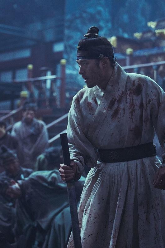조각들의 전쟁…현빈X장동건 `창궐` 스틸 공개
