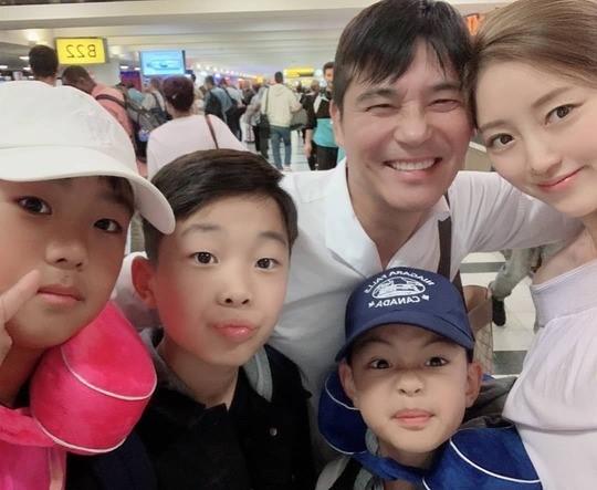 """임창정, 미모의 아내♥아들들과 뉴욕行... """"아들스타그램"""""""
