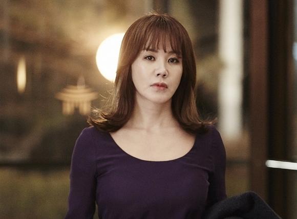 엄정화, '미쓰와이프'에서 역대급 반전 캐릭터 예고 … '폭소만발'