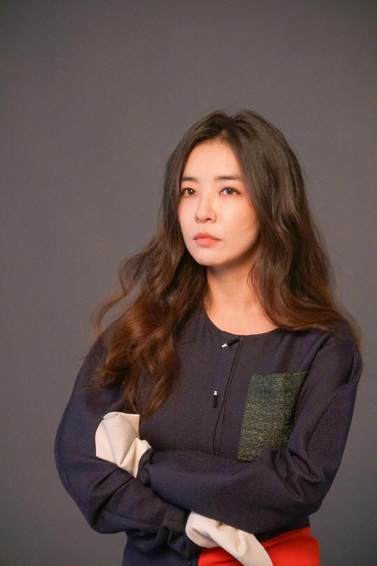 배우 박선영, 과즙 미소 가득한 비하인드 컷 공개!