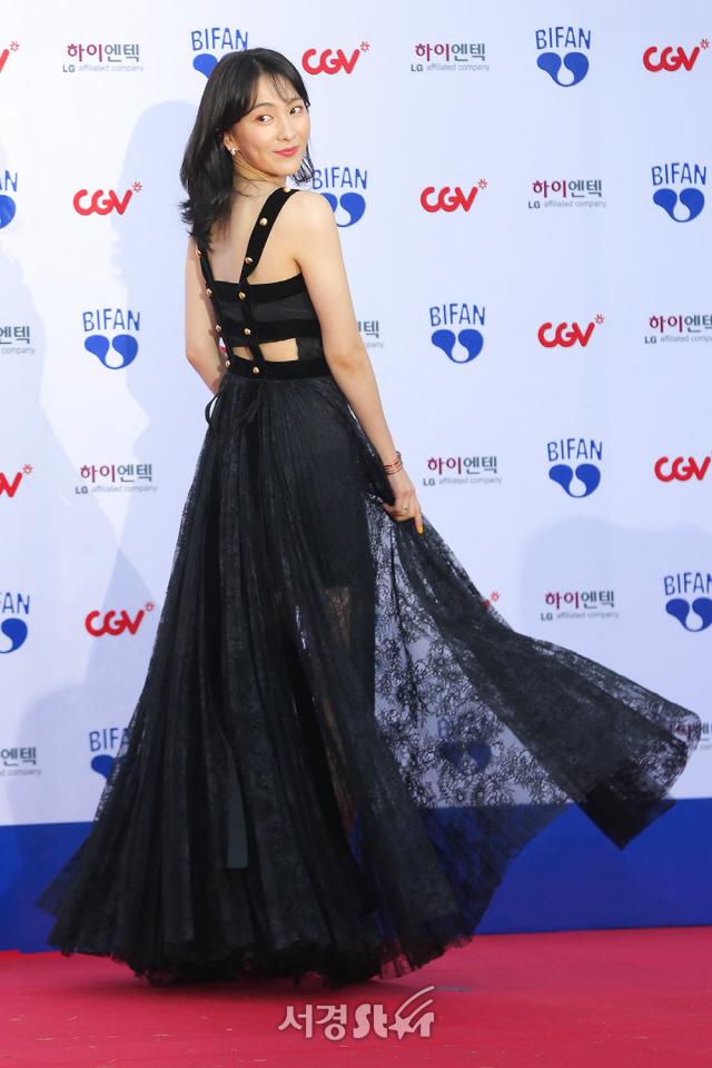 강지영, '휘날리는 시스루 드레스' (BIFAN)