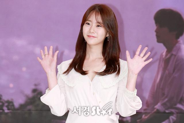 한승연, '반가운 양손 인사' (열두밤 제작발표회)