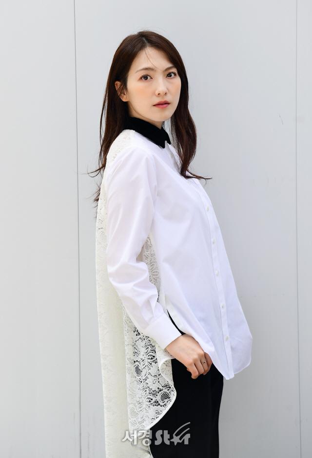 강지영, 순백의 미모 (인터뷰 포토)