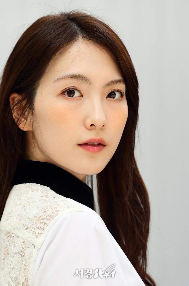 강지영, 심쿵 눈빛 (인터뷰 포토)