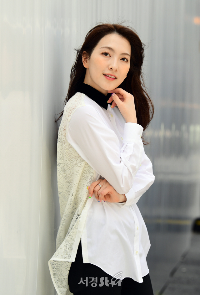 강지영, 감출 수 없는 미모 (인터뷰 포토)