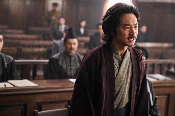 '트랜스포머' 독주 막을 한국 영화 출격