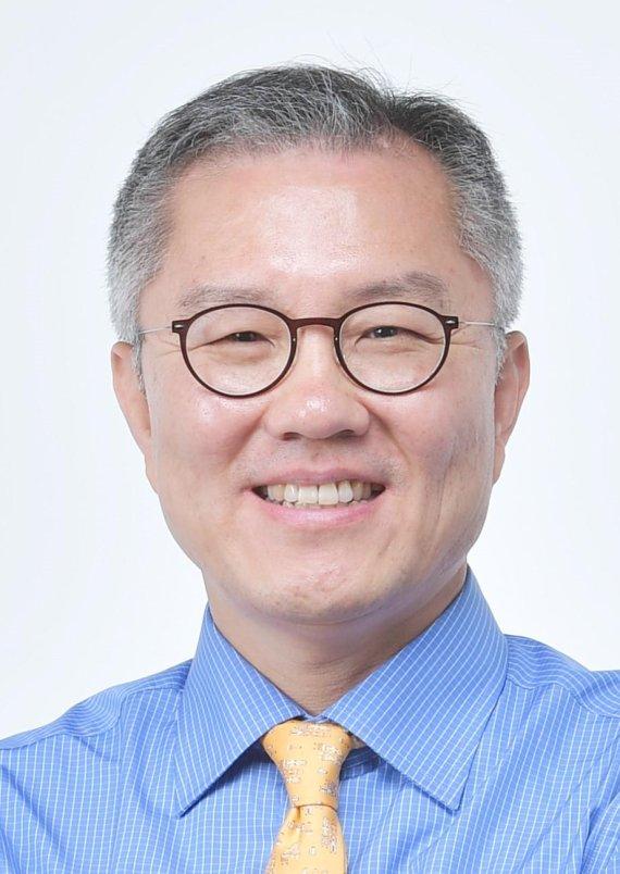 靑교육비서관 이강호·공직기강비서관 최강욱 임명