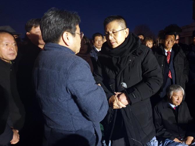 """강기정, 단식투쟁 黃 찾아 만류…""""국익 문제 놓고 단식 안돼"""""""