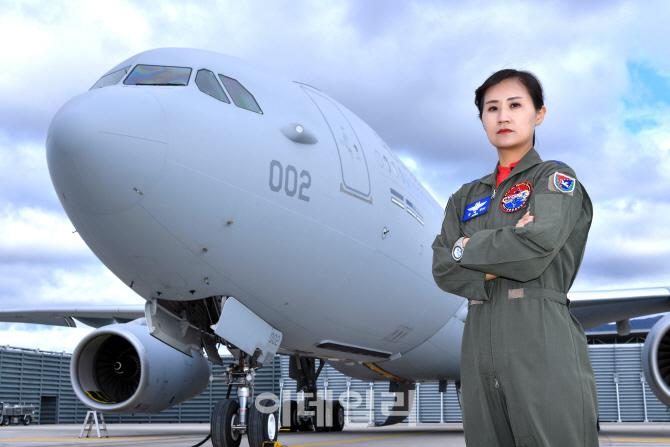 공군 첫 여군 비행대대장 3명 탄생…공사 여생도 입교 22년만