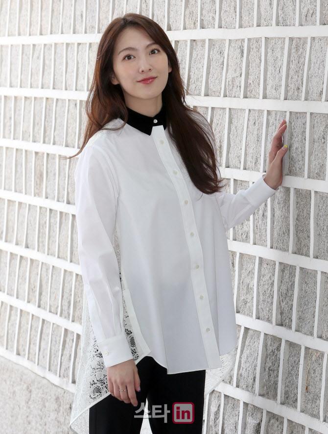 [포토]삼청동에서 만난 배우 강지영