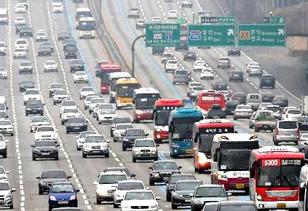 추석 고속도로 교통상황, 지난해보다 귀성 2시간 이상 증가…귀경은?