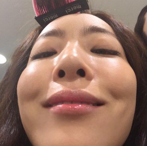 """'해피투게더3' 김이나, 미모 깎아 먹는 셀피 실력? 엽기 셀피에 '웃음 빵!'…""""콧구멍 예뻐요"""""""