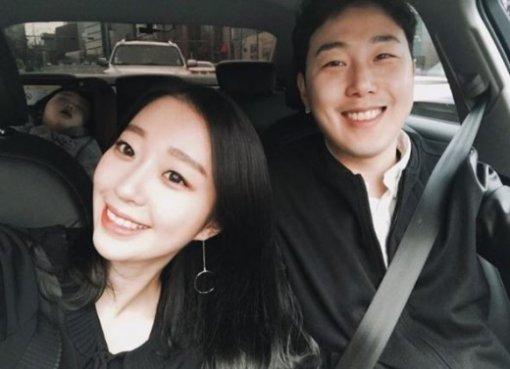 """장범준 2집 음원 차트 정상에 아내 송지수 """"두통약 달고 버텨준 오빠, 고마워"""""""