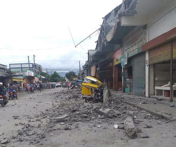 """필리핀 남부서 규모 6.8 지진…""""어린이 등 최소 4명 사망"""""""