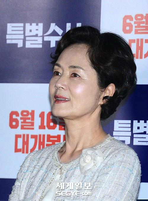 명품배우 김영애 별세, 향년 66세… 췌장암 입원속 '월계수 양복점' 찍어