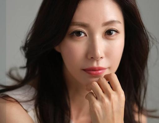 미코 출신 배우 성현아, 동안 외모 뽐내며 근황 전해