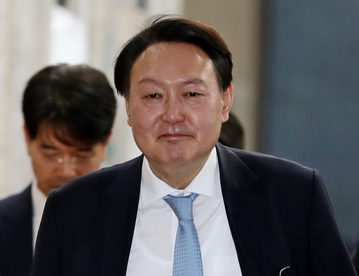 """""""檢인사 논의했나"""" 질문에 '묵묵부답' 윤석열… 옅은 미소만"""