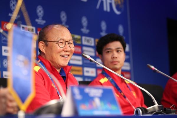 박항서, 베트남 축구대표팀과 재계약…역대 최고대우 전망