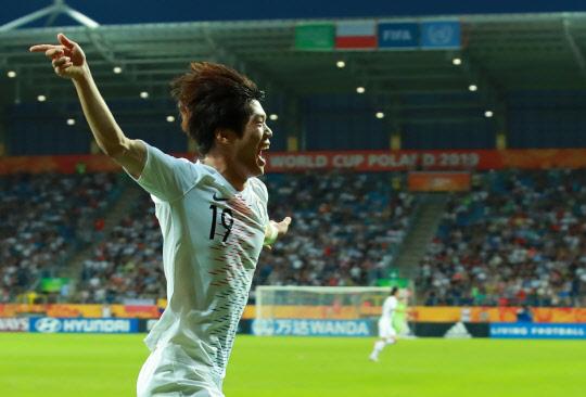 [U20월드컵] 최준 골든골...한국, 에콰도르 꺾고 사상 첫 결승 진출