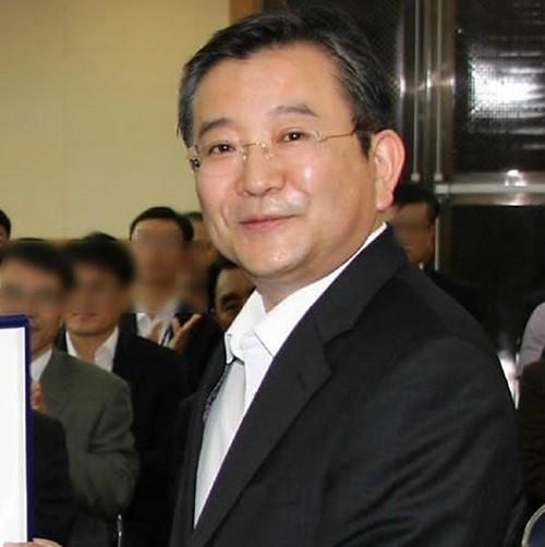 김학의 무혐의, 윤중천은 추가 기소