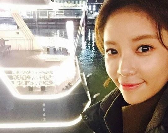 프로골퍼 이영돈♥황정음, 이연복 셰프 중식당에서 생일파티..'갓 시작한 커플'