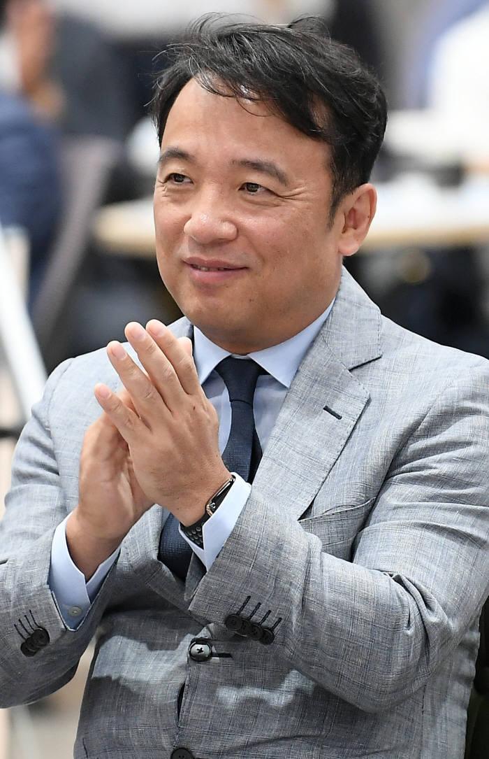 국회도서관 찾은 김택진