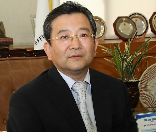 Vice Justice Minister Kim Hak-ui offers to resign