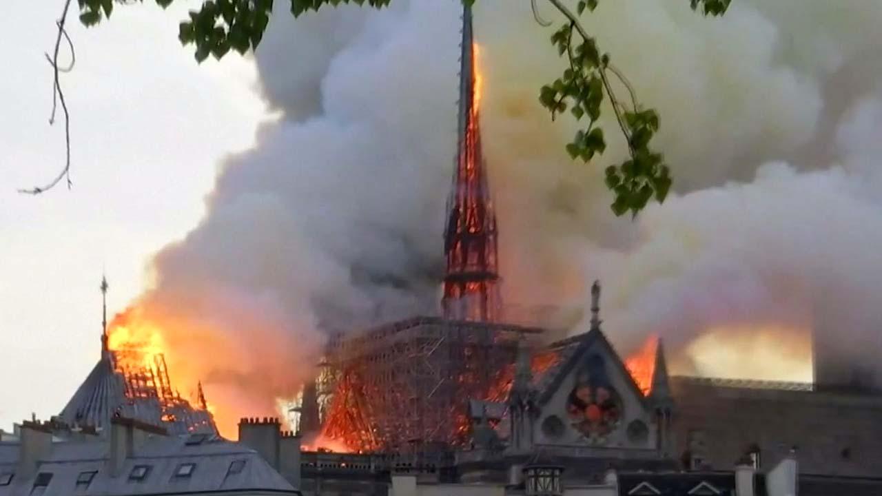 프랑스 억만장자, 노트르담 화재 복구 위해 '1283억' 내놓는다