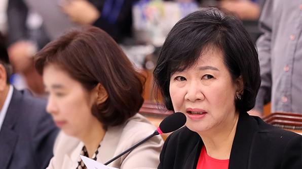 """손혜원 """"김종인, 당에 '기관총 난사'…적이 될 수밖에"""""""