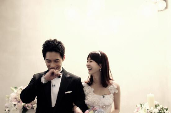 '우결' 새 커플 김원준-박소현, 묻지마 결혼식 사진 공개돼