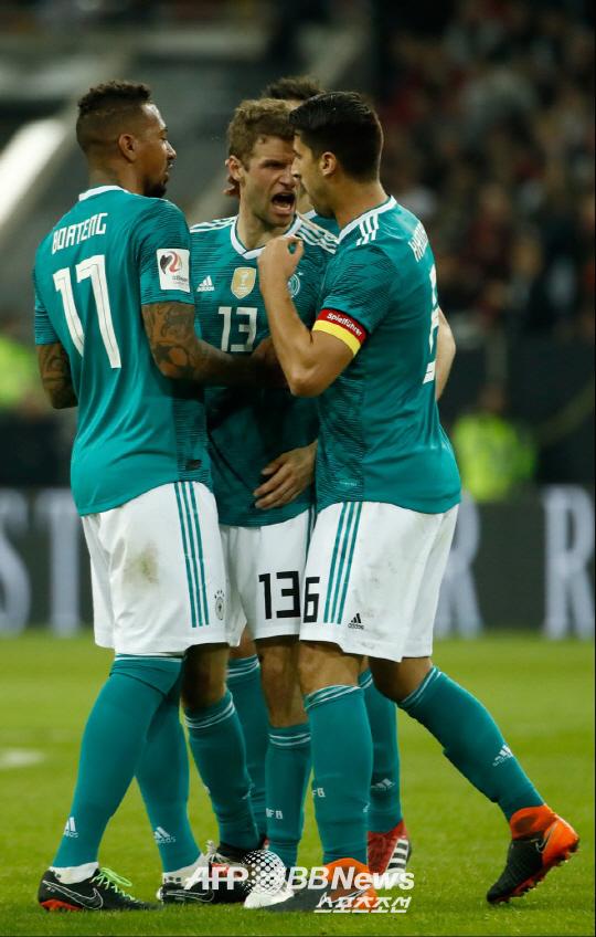 미리보는 월드컵 결승전, 독일 스페인 1-1 무, 모레노 선제골 뮐러 동점골