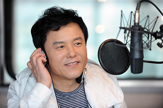 """DJ 변신 구창모 """"은인 배철수보다 멋질 자신 없다"""""""