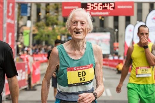 85세男, 마라톤 4시간 미만 '세계 신기록'