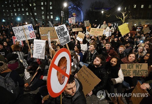 BRITAIN US IMMIGRATION PROTEST - 포토뉴스
