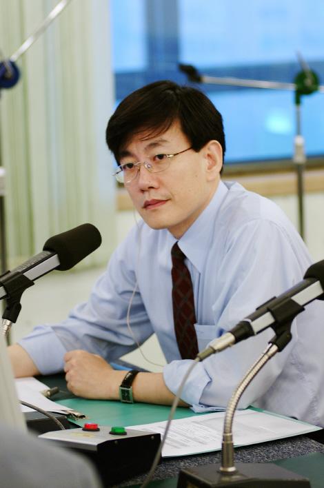손석희, 교통사고로 '시선집중' 지각방송