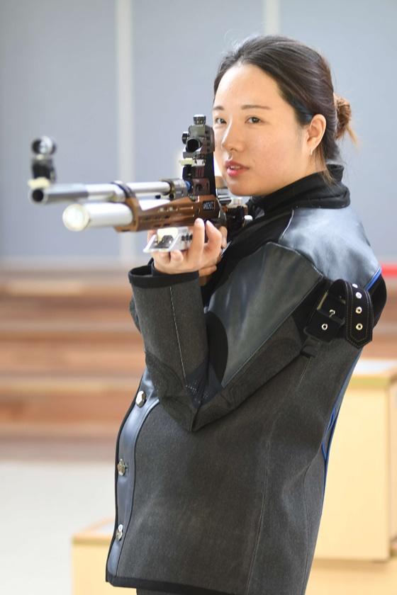 [AG] 정은혜, 추격전 끝 사격 여자 10m 공기소총 은메달