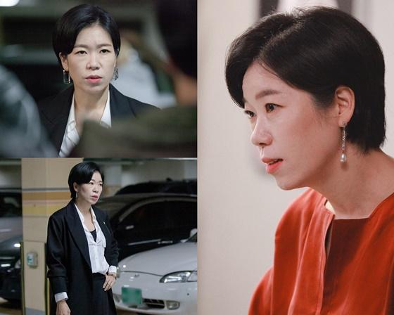 '동백꽃 필 무렵' 염혜란, 남다른 존재감..'쿨한 변호'
